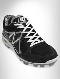NB MB2000 Baseball Cleat