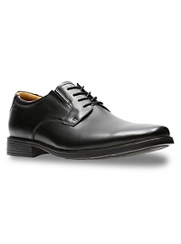 Clarks Tilden Plain Toe Oxfords